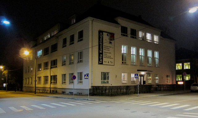 Tartu Art House at night